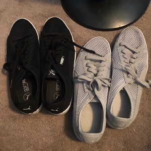 2 pairs of Puma tennis shoes